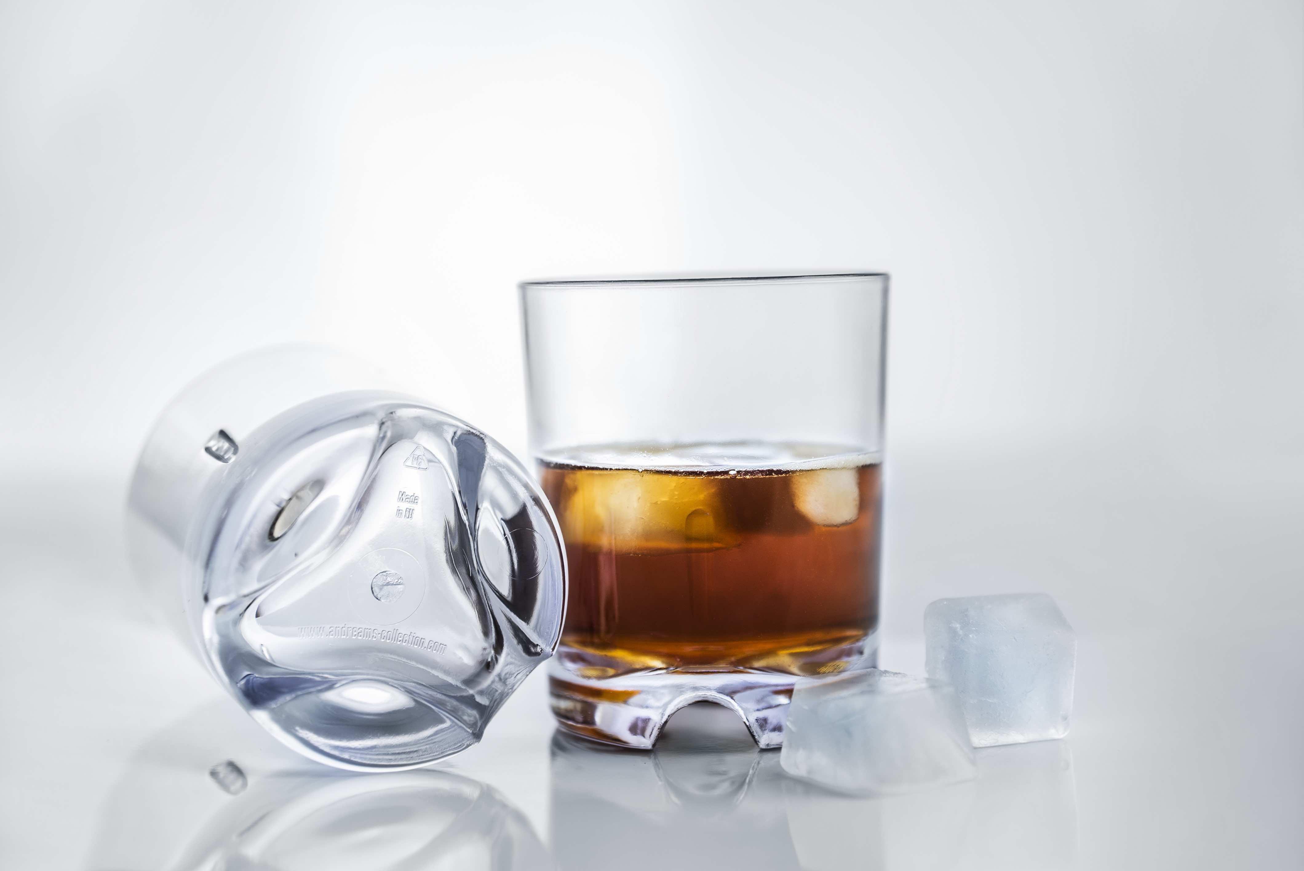 műanyag whiskey pohár